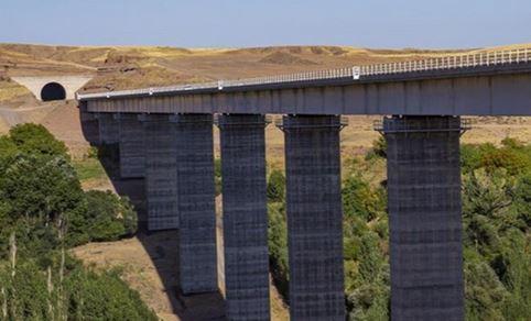 تشریح جزئیات احداث خط آهن جدید میانه-تبریز ، اتصال بستان آباد به خاوران تا پایان 99