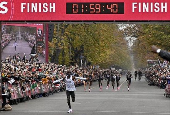 الیود کیپچوگه؛ دونده ای که ماراتن را زیر 2 ساعت دوید